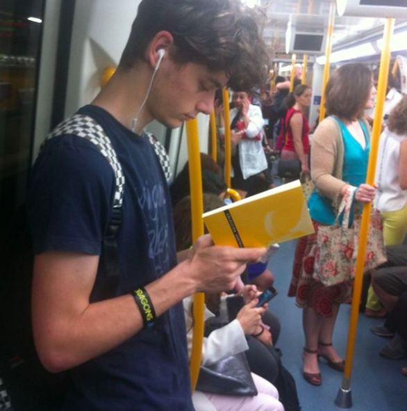 lector en el metro